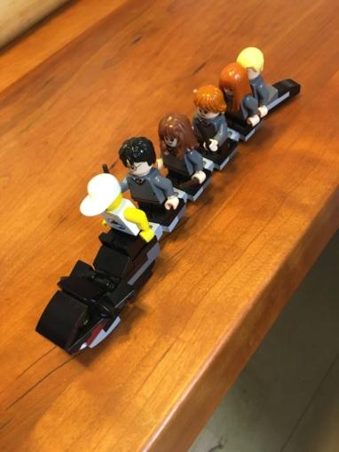 レゴハリーポッターホグワーツの大広間バジリスクの上に乗る